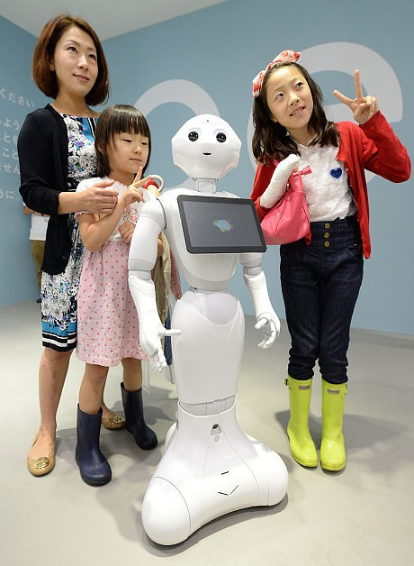'​Human' robot Pepper proves popular again and sells out in less than a minute in Japan