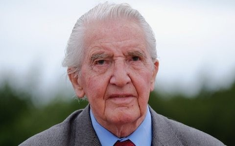 Beast of Bolsover Dennis Skinner loses his seat and hands the Tories a majority