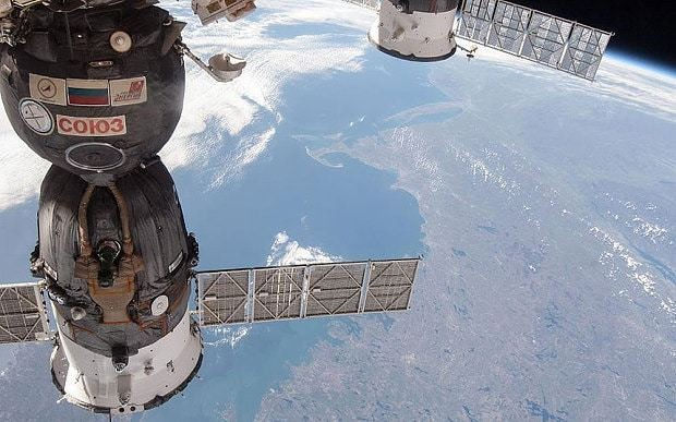 Russian spacecraft spinning out of control towards Earth