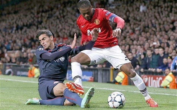 Patrice Evra agrees to sign one-year deal with Manchester United