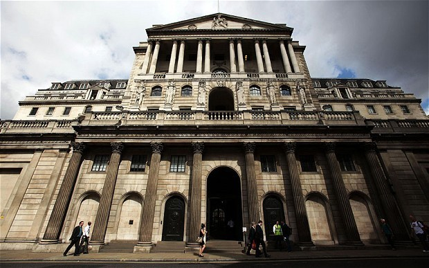 Bank of England ratesetters remain split over QE at Sir Mervyn King's final meeting
