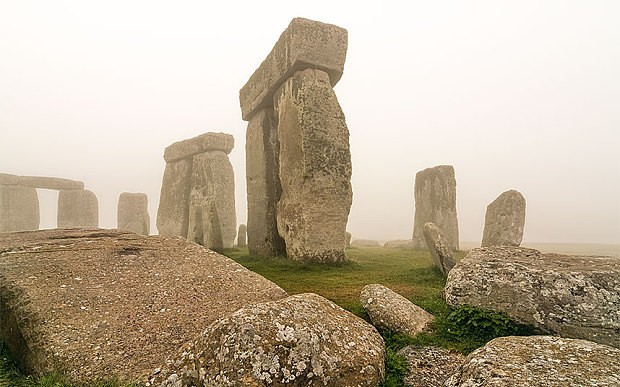 Huge ritual monument found hidden near Stonehenge