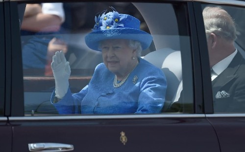 Someone reported the Queen to the police because she wasn't wearing her seat belt