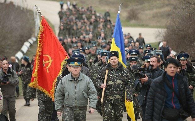 Ukraine crisis: Ukrainians rush to join military