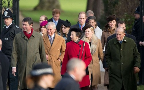 The Queen and Royal Family attend church service in Sandringham, in pictures - Telegraph