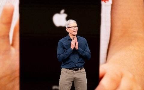 Apple boss Tim Cook makes case for China tariff break to Trump