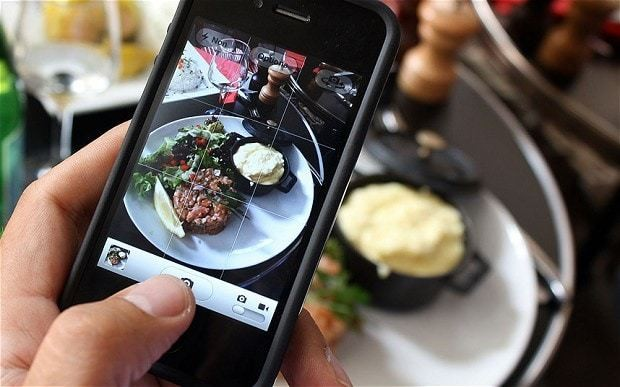 French chefs hit back at 'food porn' photos in their restaurants