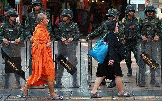Thailand launches monk bad behaviour hotline