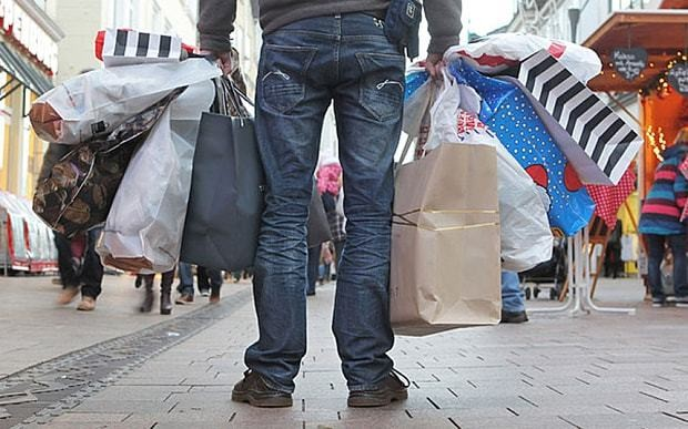 Christmas shopping bingo: 25 things that always happen