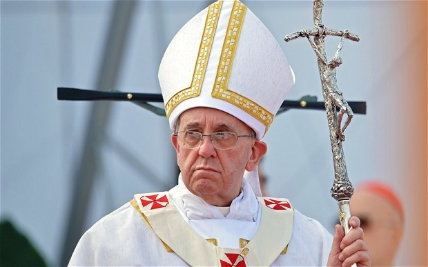 Syria crisis: Pope tells Vladimir Putin world leaders have allowed 'senseless massacre'