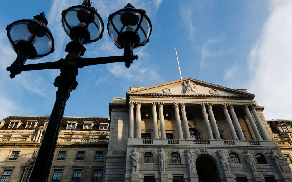 Investors flock to UK gilt auction as borrowing spree ramps up
