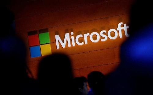 Microsoft workers protest bid to build Pentagon's $10bn AI warfare system