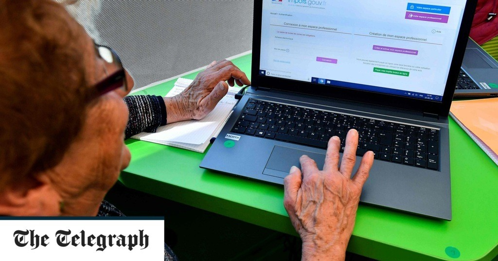 Number of pensioners internet shopping more than quadruples in last decade, ONS figures reveal