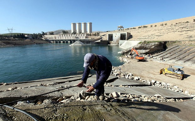 US warns of 'tsunami wave' across Iraq if the Mosul Dam collapses