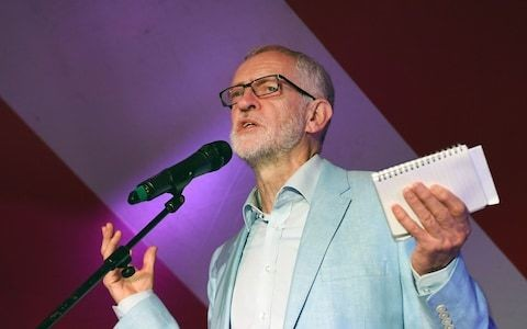 Jeremy Corbyn aide 'resigns with attack on Labour leader'