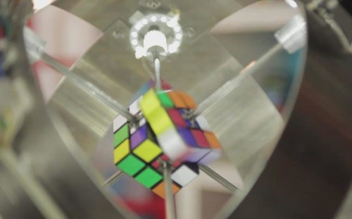 Watch this robot solve a Rubik's Cube in less than a second