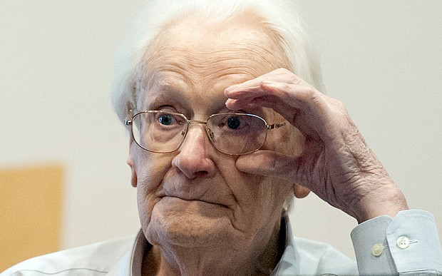 'Bookkeeper of Auschwitz' Oskar Gröning says 'I'm truly sorry' as verdict due earlier than expected