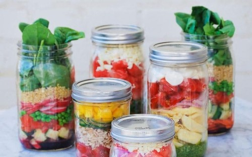 Jar salad recipes for on-the-go lunches