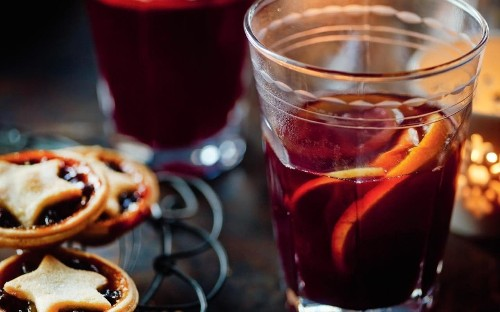 Mary Berry's Christmas mulled wine