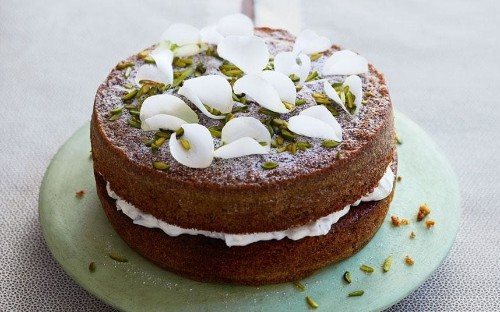Pistachio and lemon cake with ricotta and candied peel