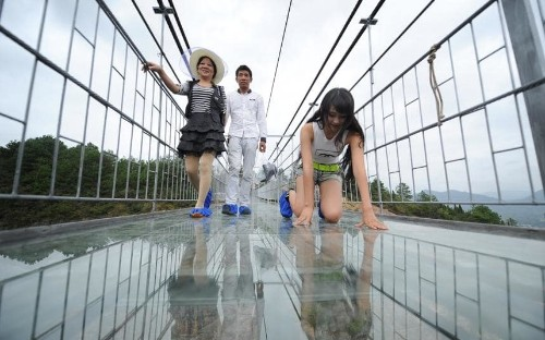Dare you cross China's new glass-bottomed suspension bridge?