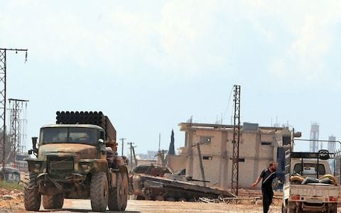 Assad troops force Syrian rebels to retreat from key town
