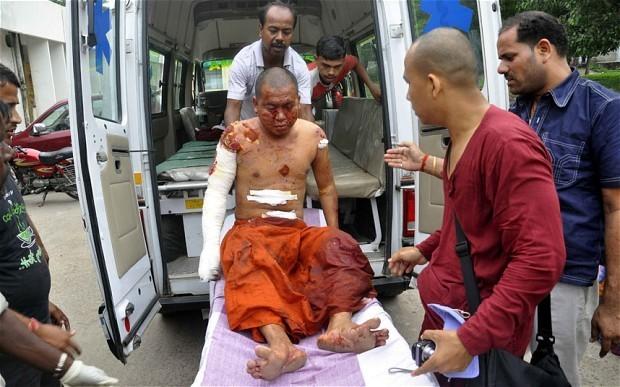 Bomb blasts hit Buddhist sites in India