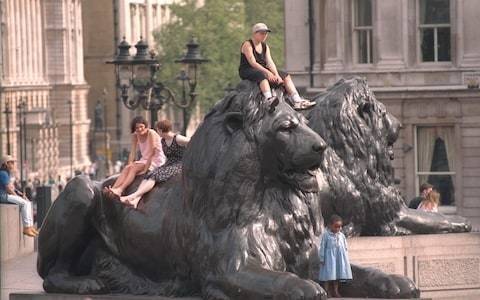 Touching Trafalgar Square lions could lead to sepsis and conjunctivitis