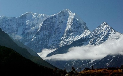 Everest fees cut in Nepal