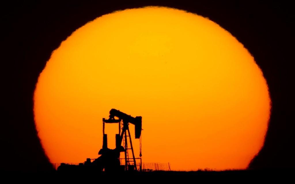 Push for more cuts sends oil close to $40 a barrel