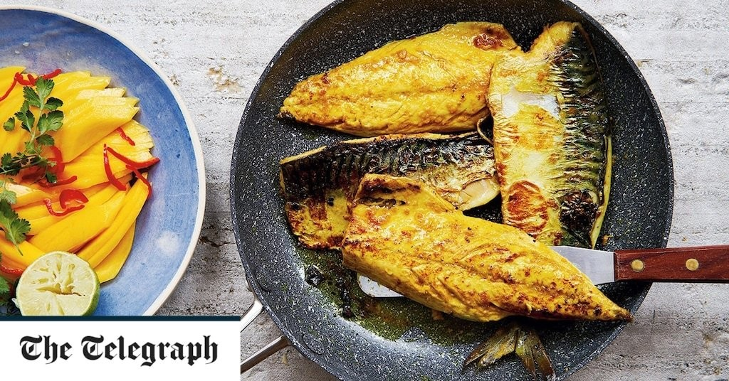 Spiced mackerel fillets with mango, lime and chilli salad recipe
