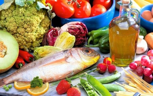 Mediterranean diet better for the heart than taking statins, major study suggests
