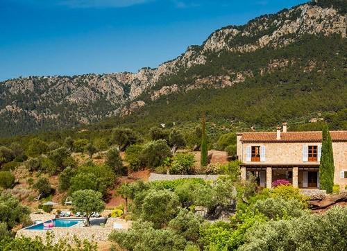 Inside Richard Branson's new luxury Majorcan villa – where a week's stay costs £26,000