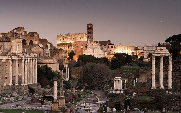 Rome 'ages' 200 years as archaeologists discover new remains