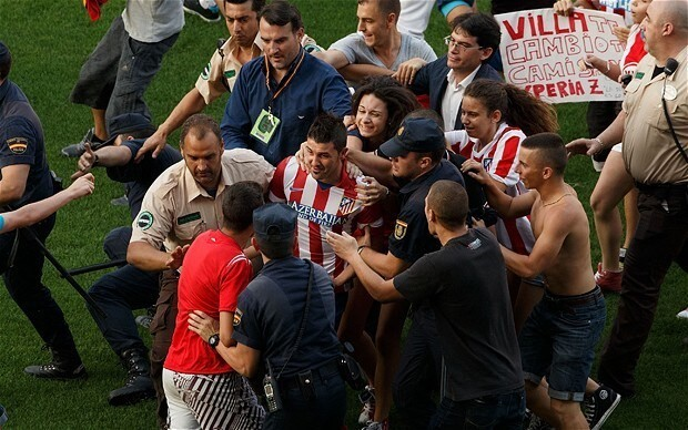 David Villa mobbed by Atletico Madrid fans after signing from Barcelona, and football's other warm welcomes