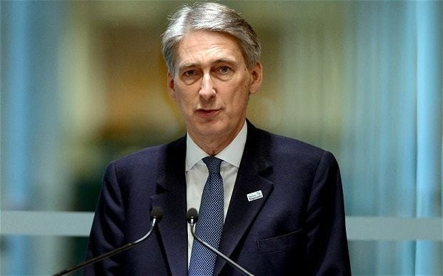 Britain 'wide open to abuse by freeloading migrants', says Foreign Secretary