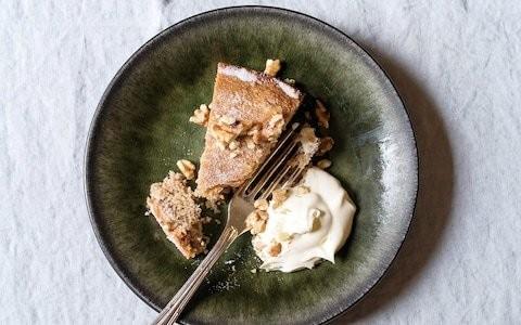 Walnut cake with crème fraîche recipe