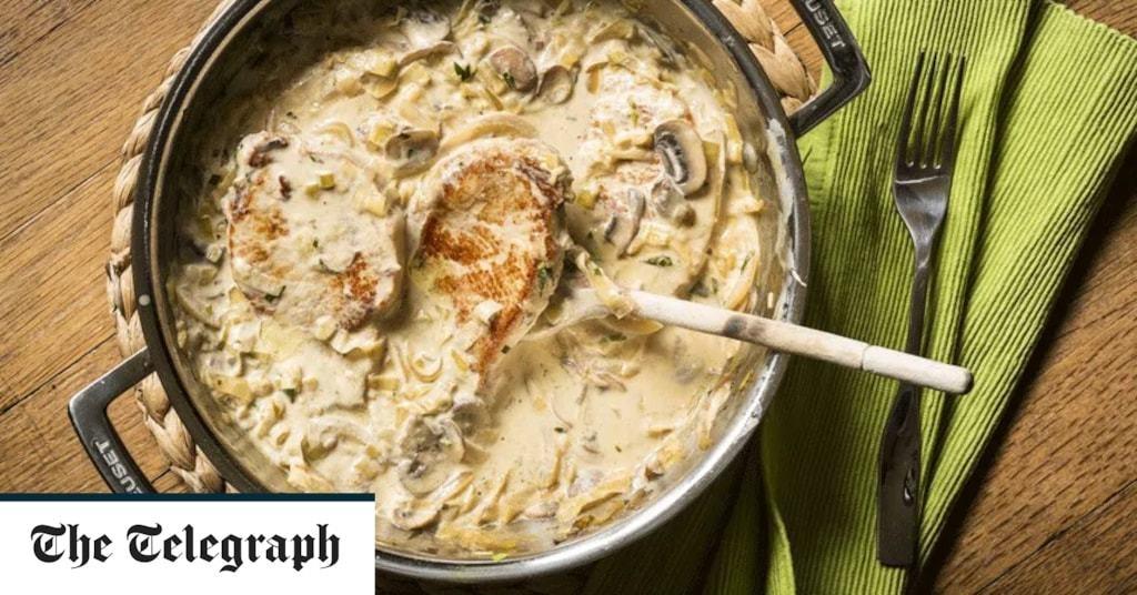Pork chops with mushroom and leeks recipe