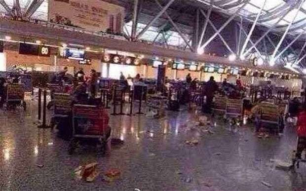 Chinese passengers start riot in airport over delayed flights