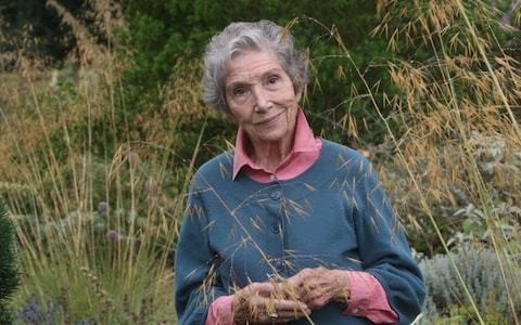 A new biography reveals the quiet but passionate life of celebrated gardener Beth Chatto