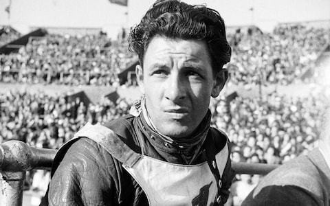 'Split' Waterman, postwar speedway superstar with matinee idol looks who later applied his 'quick, decisive mind' to crime – obituary