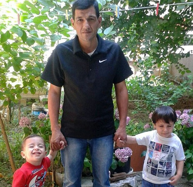 'Let this be the last', says heartbroken father of Aylan and Galip Kurdi as he prepares to bury them