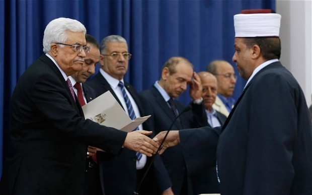 Palestinian unity government sworn in