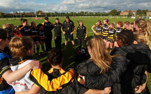 English women's rugby players lend support to Irish protest
