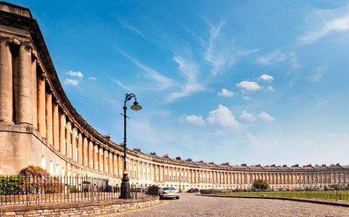Bath: a girl's guide to the best hotels, shops and restaurants