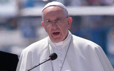Pope refuses to equate Islam with violence