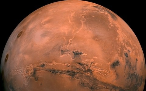 Mission to Mars may require astronauts to wear swimming goggles