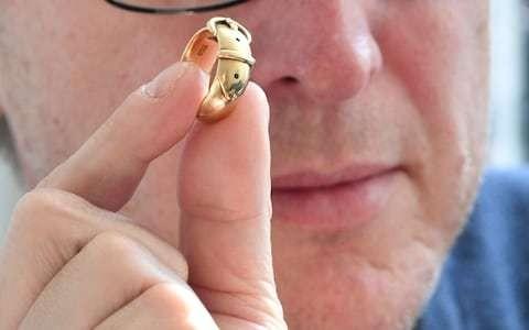 Oscar Wilde's ring 'stolen in Hatton Garden heist' found by art detective 20 years later