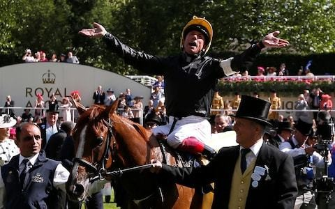 Frankie Dettori and Stradivarius can strike right note again in Gold Cup