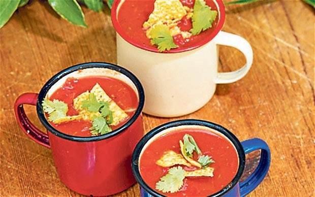 Picnic recipe: tomato, pepper and cumin soup